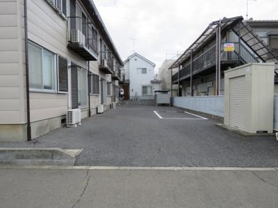【駐車場】ハウス的場