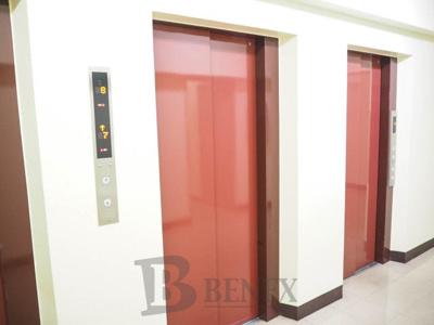 牛込ハイムのエレベーターです