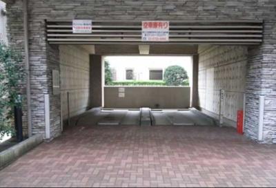 ガラシティ駒沢大学の駐車場
