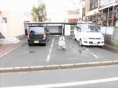 【駐車場】ヘルシーシャトー