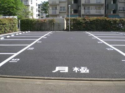 【駐車場】第二萬荘 株式会社Roots