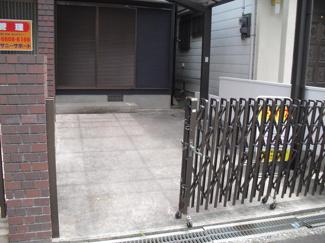 駐車場:幅3.1×奥行5.2メートル