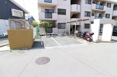 【駐車場】ロイヤルハイツ上野西