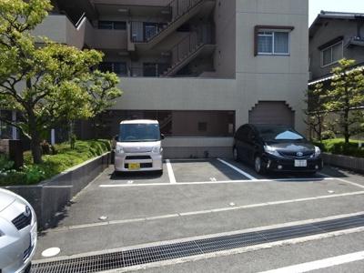 【駐車場】伸栄ハイツ