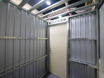 【内装】スーパーコート トランクルーム