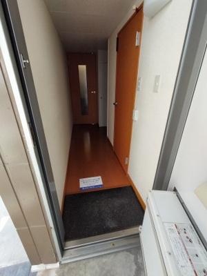 【玄関】レオパレスカラコレス