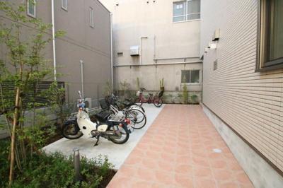 駐輪場(各世帯1台) ヴェラーノ