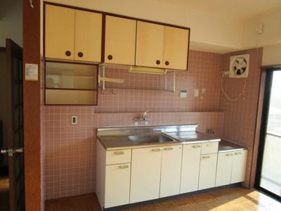 ゆったりとしたキッチンスペースでお料理がはかどります♪