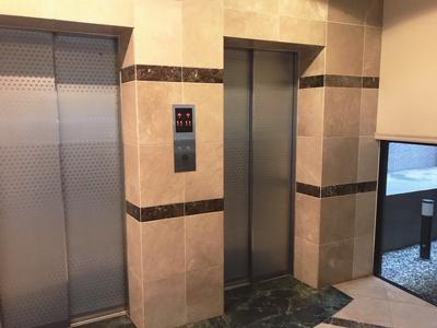 エレベーターは2機ございます