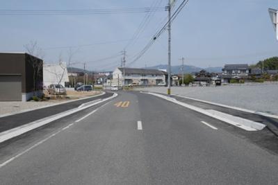 南側接道(都市計画道路)