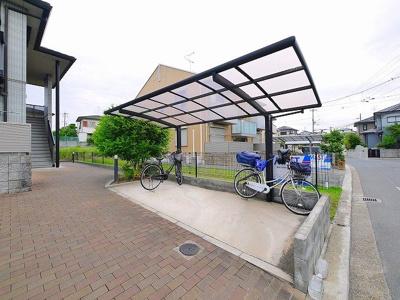 屋根付きの駐輪場です