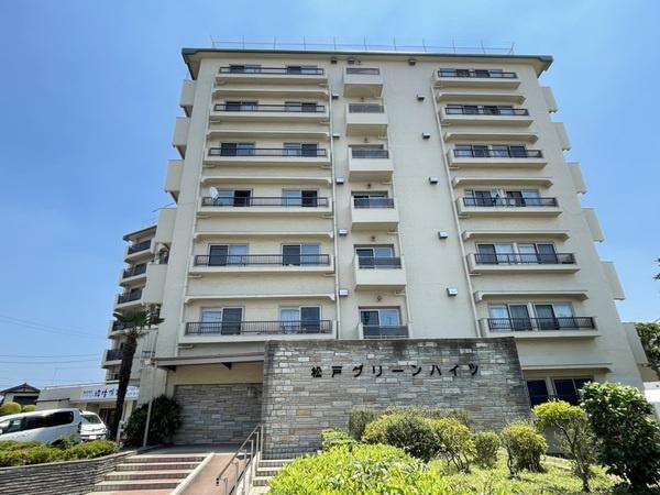 7階建ての大規模マンション総戸数128戸の5階。
