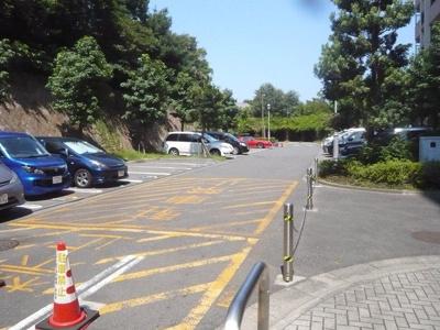 【駐車場】ビーコヒル能見台ウエストヒル1号棟