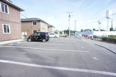 【駐車場】ハイツ・クレール坂東A