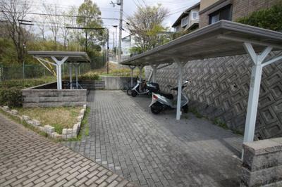 【その他共用部分】ガーデンコート車 A棟