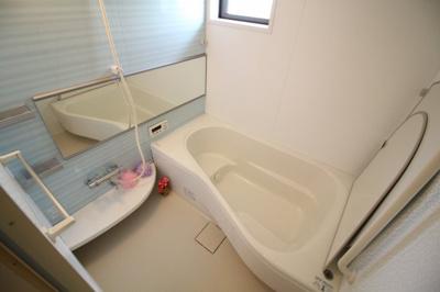 【浴室】ガーデンコート車 A棟
