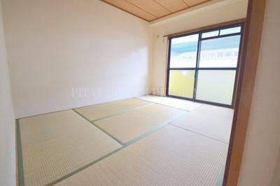 【庭】ロイヤルコート西野田