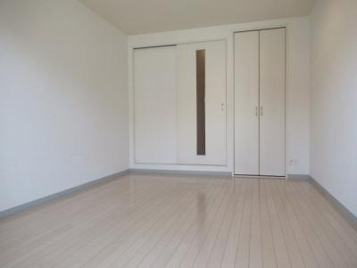 綺麗な洋室です