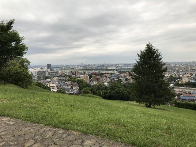 ドラマの撮影でもよく使われるゆうひの丘が近くにあり【コートビレッジ桜ヶ丘PartIIレジデンス】