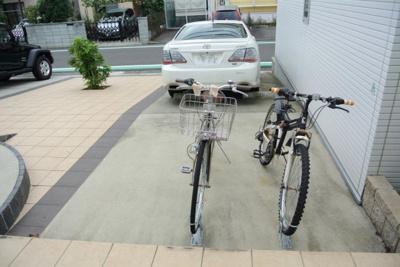 いつでも目の届く敷地内に駐車場を完備しています♪お車をお持ちのファミリーさんにもオススメです☆