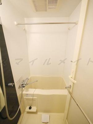 雨の日も安心の浴室乾燥機能付きバスです。
