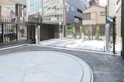 パークアクシス赤坂見附の駐車場