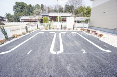 【駐車場】ファミーユ