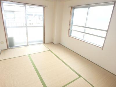 【居間・リビング】プレイン第1マンション