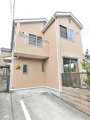 ブルーライン「中川」駅より徒歩5分の好立地!人気のテラスハウスです☆駅近のお部屋をお探しの方におすすめ♪