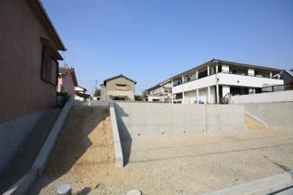 一種低層地域の新築住宅です ガーデニングなども楽しめる駐車場2台の新築住宅です