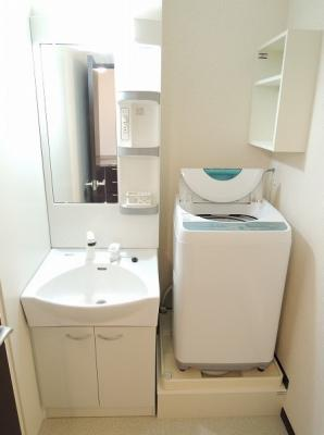 独立洗面台、全自動洗濯機付