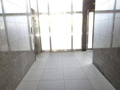 エルフラット鶯谷 1F共用廊下
