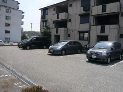 【駐車場】カーサフェリスB棟