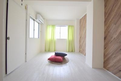 【寝室】ホワイトレジデンス