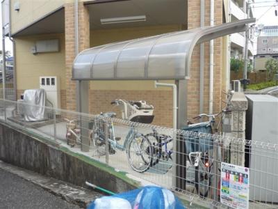 敷地内自転車置き場ございます。