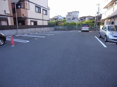 【駐車場】ウェルフラット
