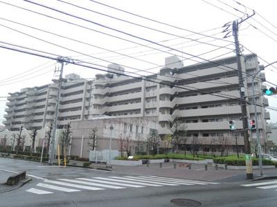 東急東横線「綱島」駅徒歩8分と好立地。