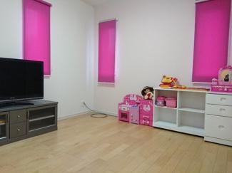 2階の4.5帖の洋室です。 クローゼット有り♪