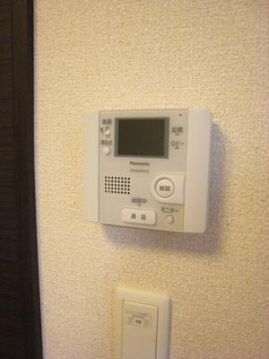 TVモニターフォンがついて来客時も安心です。