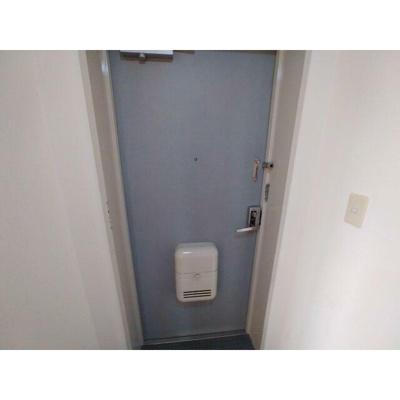 ピノ・カーポ幕張本郷の玄関