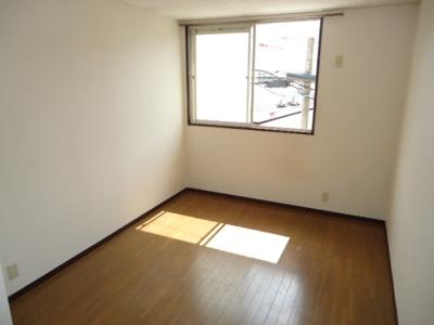 【寝室】北六甲台ハイツ