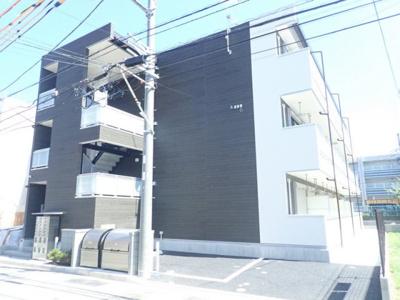ブルーライン「新羽」駅より徒歩4分の好立地♪通勤・通学に便利な立地の3階建て新築アパートです☆