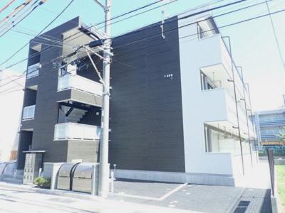 ブルーライン「新羽」駅より徒歩4分!築浅の3階建てアパートです♪通勤通学はもちろん、お買い物やお出かけにもGood☆