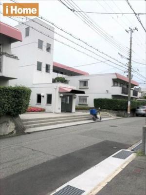 阪急&JRの2WAYアクセスできます!! ■阪急岡本駅 徒歩11分 ■JR摂津本山駅 徒歩13分 周辺は閑静な住宅街です。