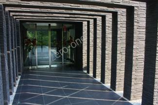 クレアコート上野芝ラベルヴィの買取りのご相談も承っております。新築建築中は住んでいたいけど売却しないと次の家も買えないし・・。当社の買取りなら大丈夫です。新築完成までお待ちします!