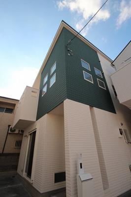 実際に建築したお家の外観になります。このお家も全区画2階建てのスッキリとした綺麗な街並みになっていますよ♪