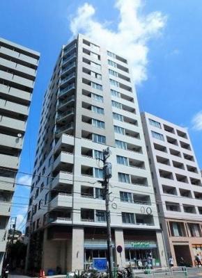 14階建てマンションの11階部分の物件です。