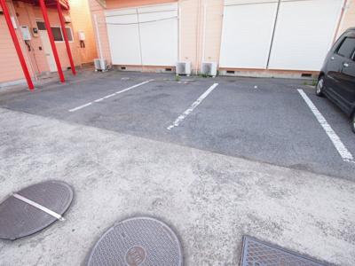 【駐車場】ハピネスファクトリー