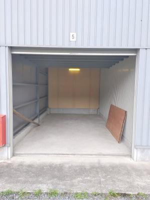 ガレージ入口