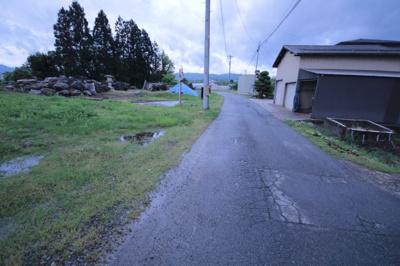 【前面道路含む現地写真】米沢市塩井町塩野① 土地